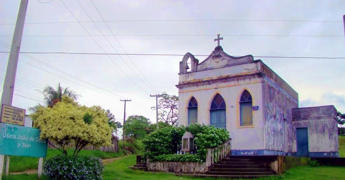 Capela é um município brasileiro do estado de Alagoas.
