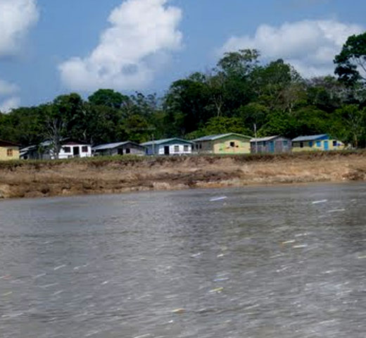 Taracoatéua ou Taracuariba, aldeia dos índios Omáguas, foi o primeiro núcleo de povoamento da atual cidade de Fonte Boa.